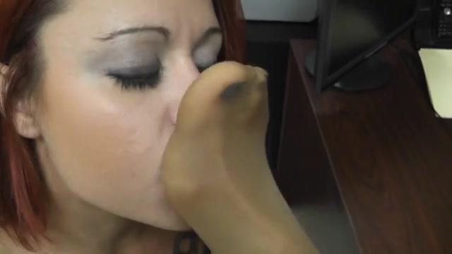 Masturbate vidoe fucker Lesbios