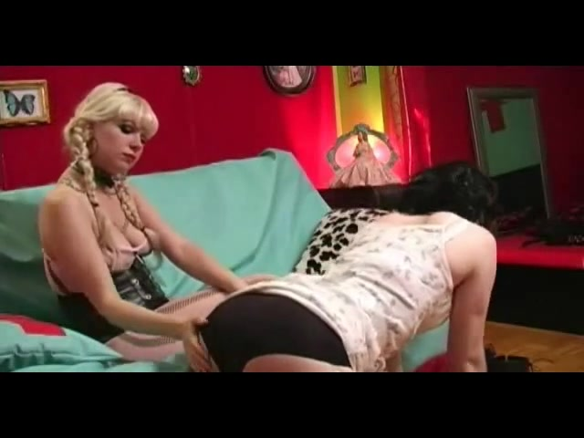 Girl live nude peep show