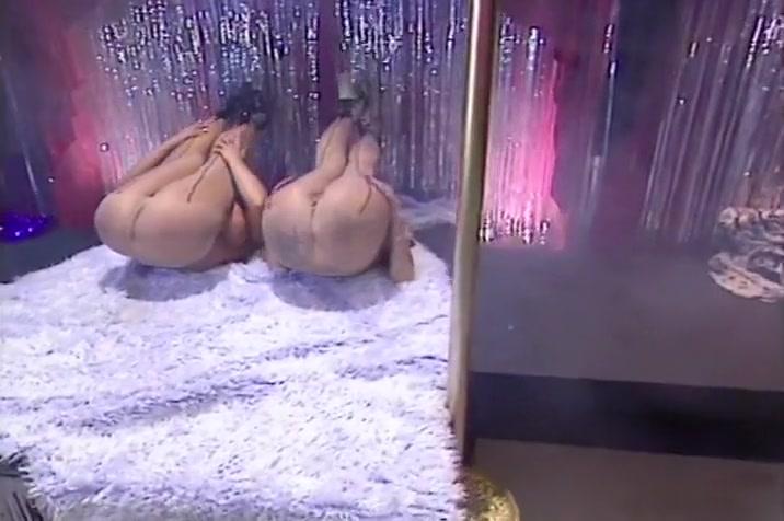 Lesbiean orgies Voyeur closet
