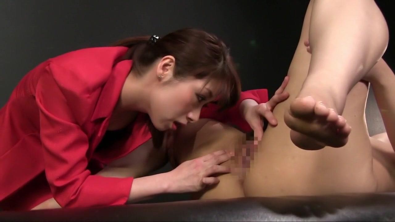 Fucks Piss lesbiana fuckuf