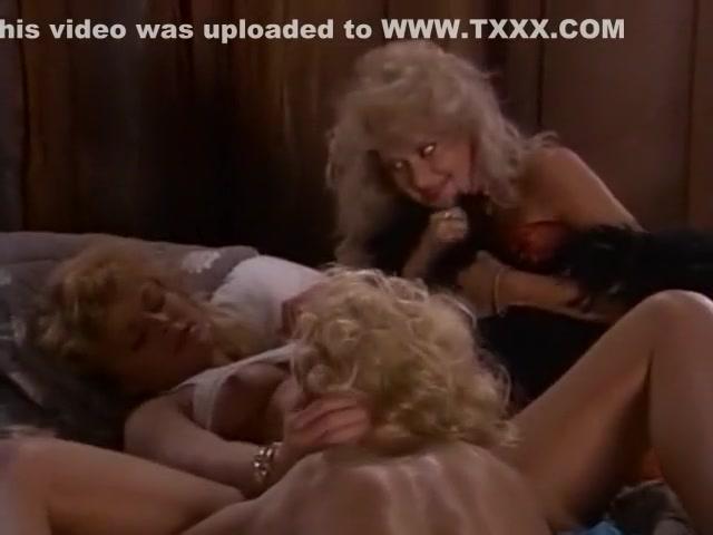 Masturbatian Orgy lesbea close