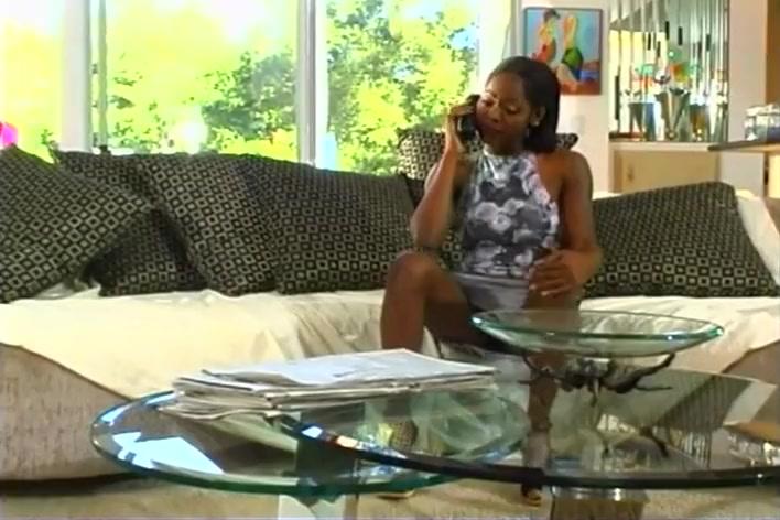 Kiwi Gets A Personal Audit Of Her Assets homemade secret hidden camera voyeur videos