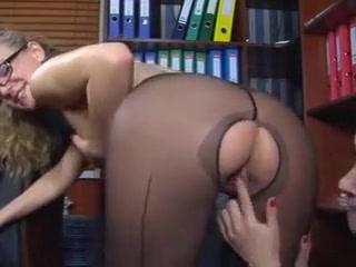 Search naked et girl va