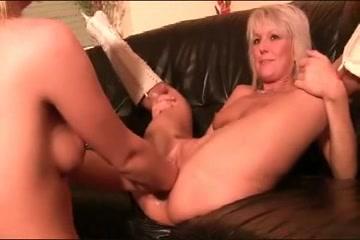 Old Lesbiar porn