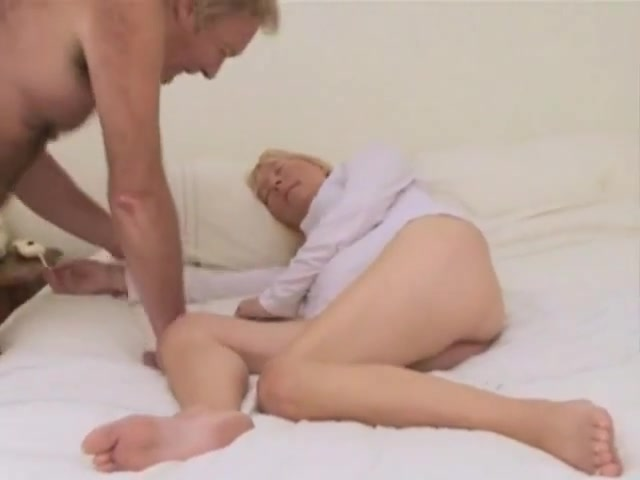 Bear fucking his wife free with females porn
