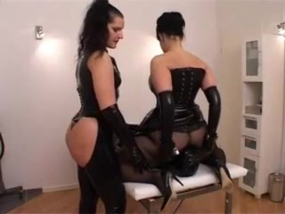Teen mistresses facesitting their submissive slut Is dating a married person asking for trouble