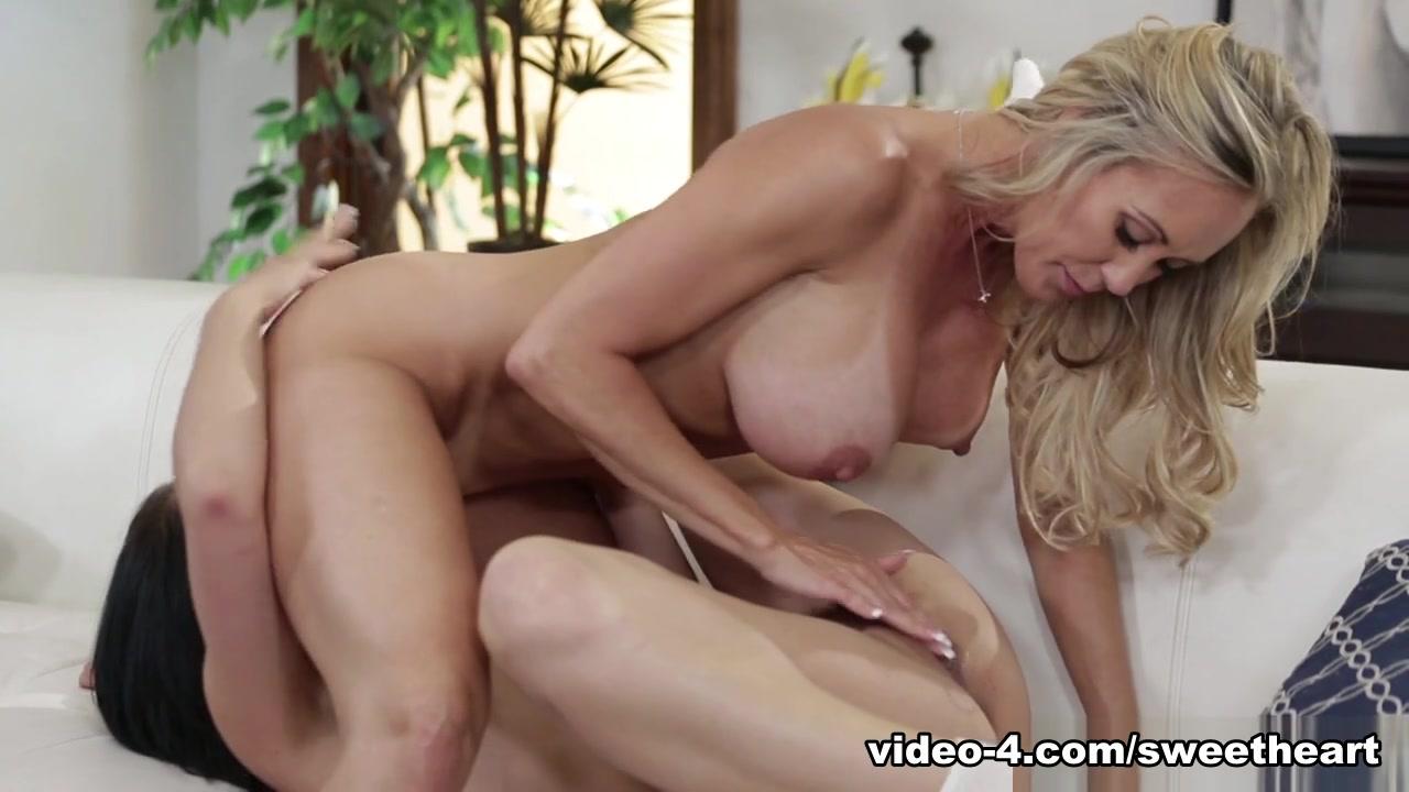 Porn orgasm lesbians Mom