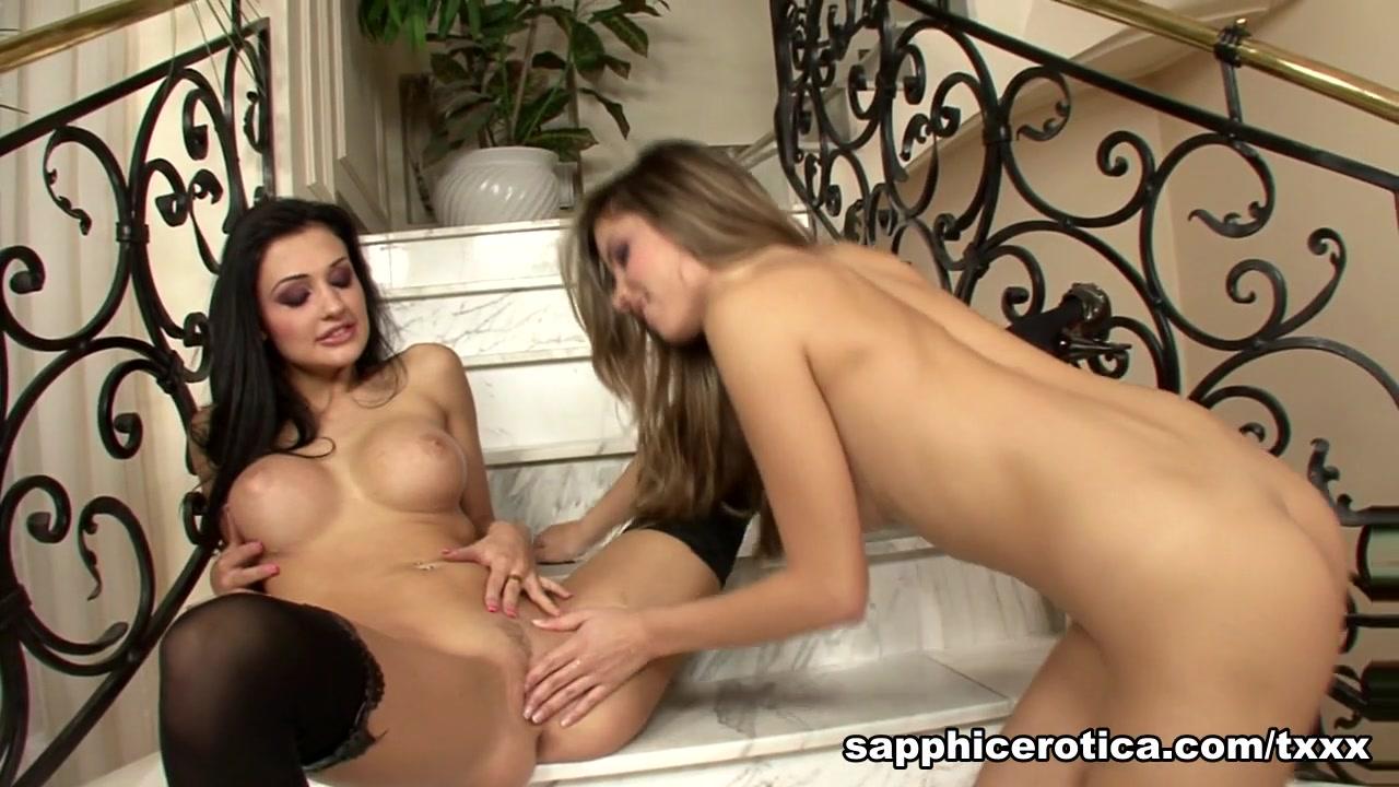 Photos Lesbial sexis orgasam