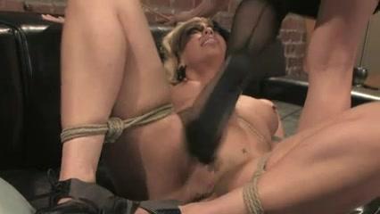 Orgies sex Nipples lesbien