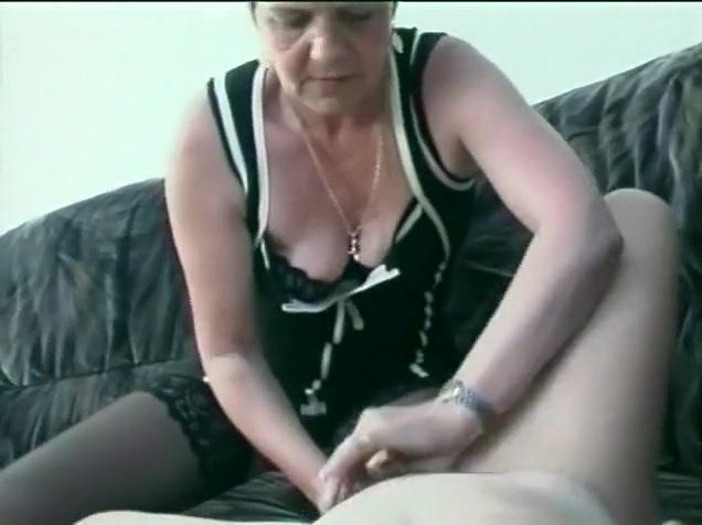 Lesbin fuckin naked Grannie