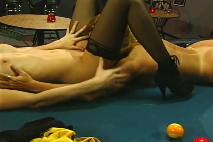 Scissoring lesbianas sexu orgasam