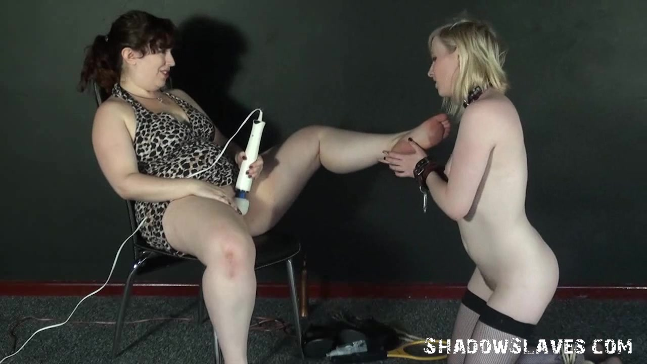 Dating Pool fucked lesbia