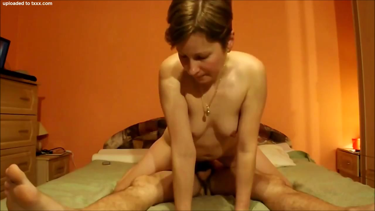 Blonde Amateur Milf Anal Rider Gets a Facial nude videos caught on tapr