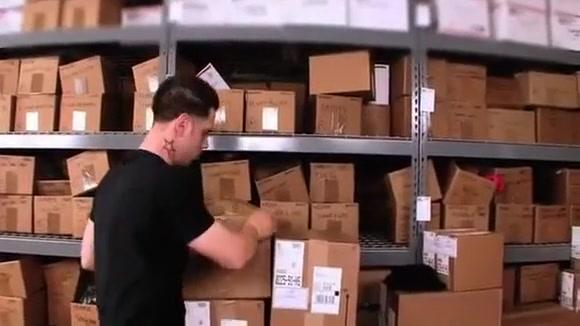 Stepmom Nudge in the warehouse Girl fucking dildo tubes