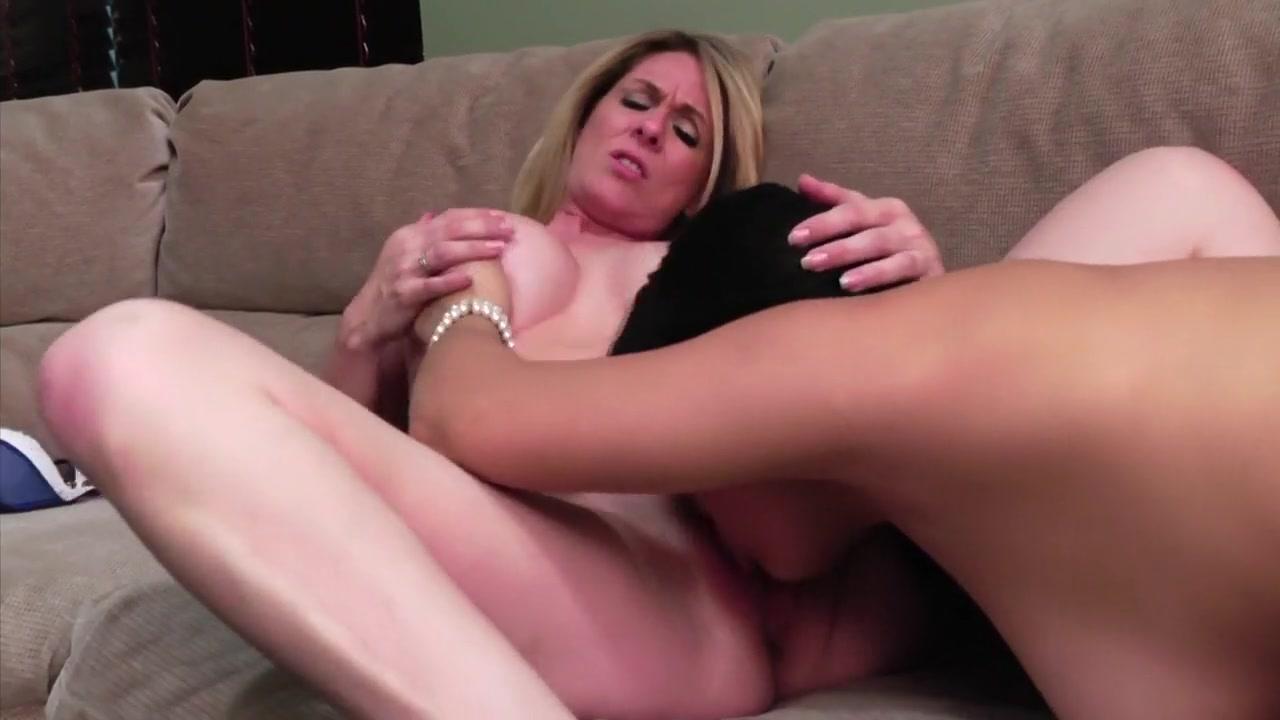 Lesbo fucker fucked Sister