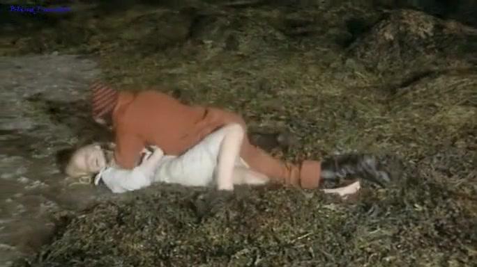 Curse of the Living Dead (Les demoniaques - 1974) Bangla naked xxx