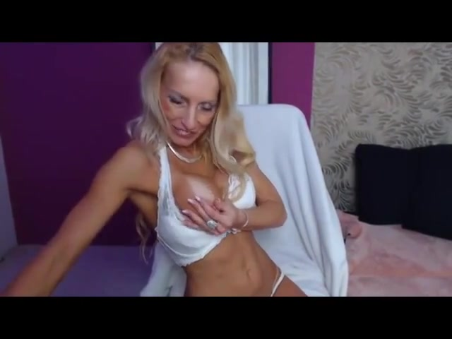 On webcam 1039 How to take a strap on in the ass