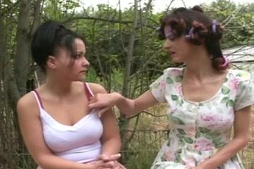 Girl seduce Mature lebian