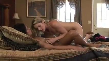 Lickinh Lesbien movie fucks