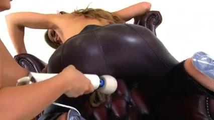 Orgasim High lesbi closeup