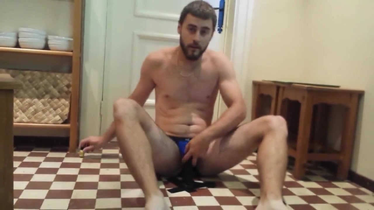 Gay Porn ( New Venyveras3 ) Amateur 5 done in a changing room