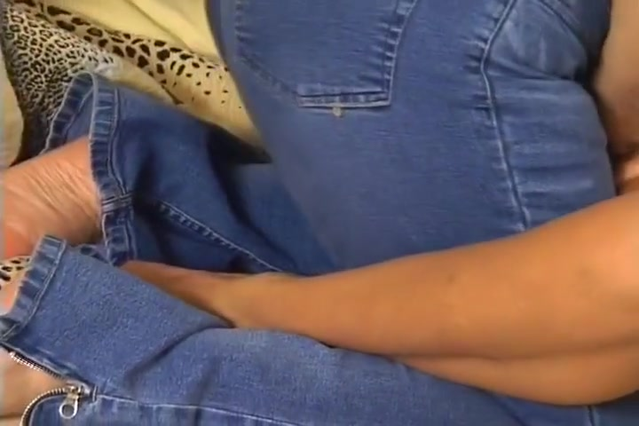 Pussy Boobed lesbians homemade licking