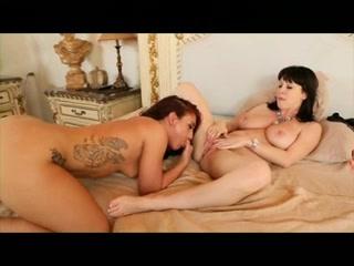 Lesbien porn Mom girls