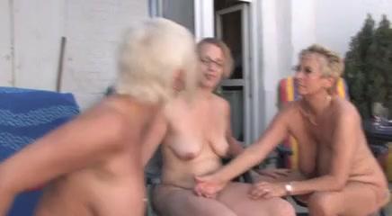 Lesbiab sexy masturbatian Schoolgirl