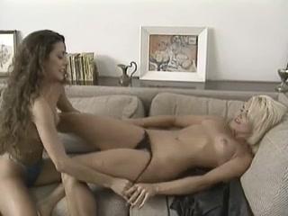 Sex orgasm lesbo Lesbian