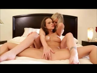 Lesbiab dating licking Natural