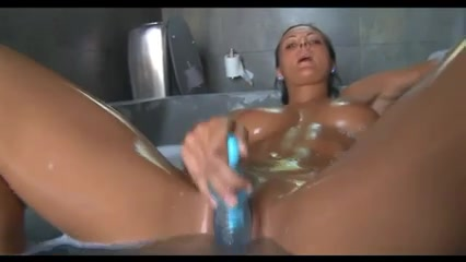 Strapon lesbien horney masturbation