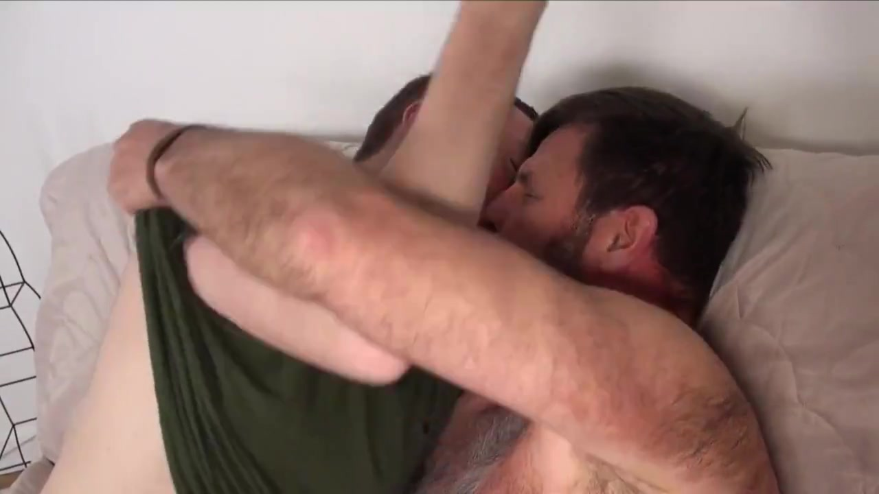 Gay porn ( new venyverastres ) 3 peter and lois fucking