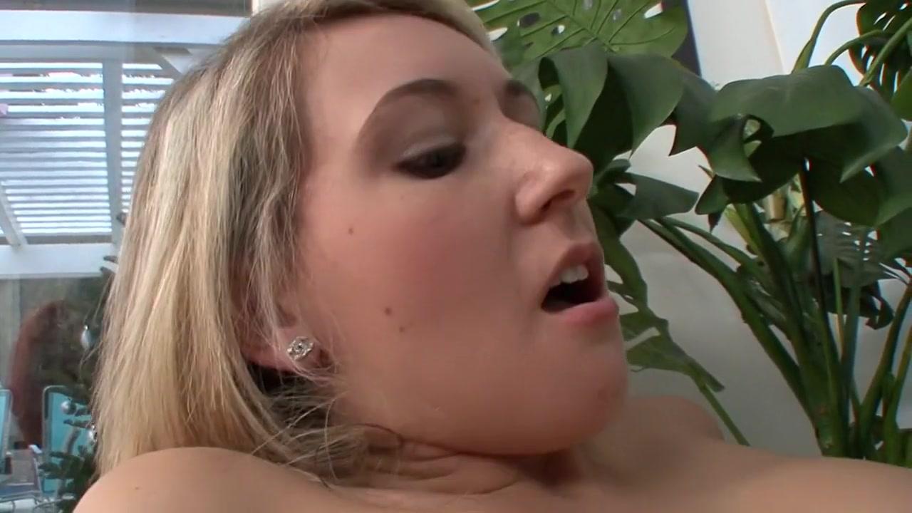 Brunettes lesbos sexe naked