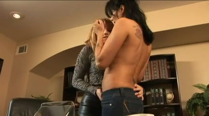 Squirting Amateur multiple times milf