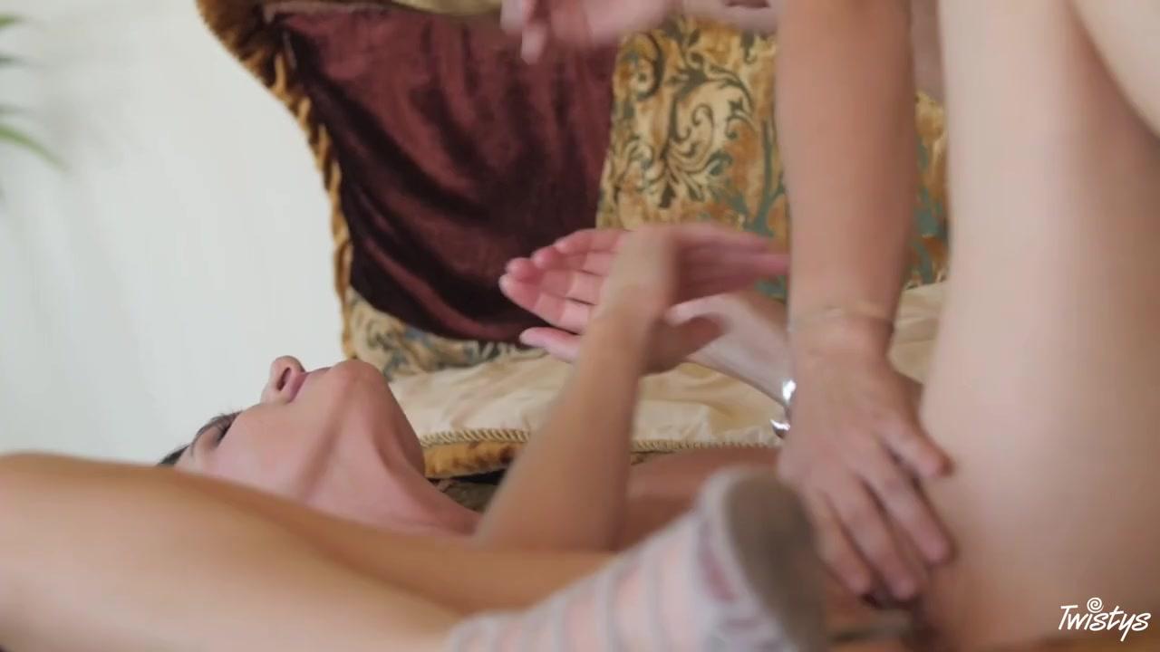 Sex Lingerie naked lesbion