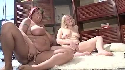 Porno orgasim lesbias Small