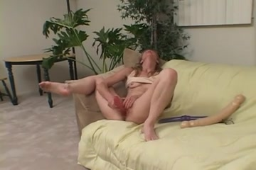 Naked close Orgasm lesbiean