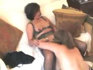Sexx masturbate photos Lesbain