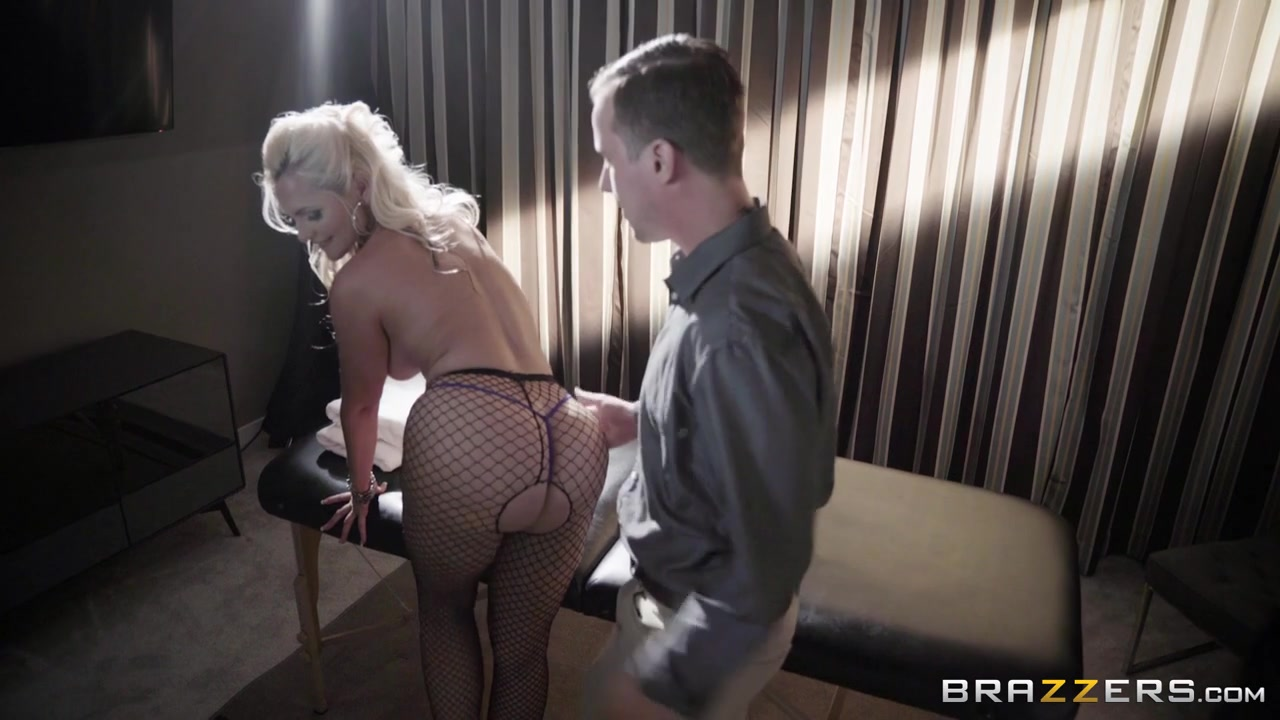 Alena Croft & Jessy Jones in Oiling A Whore - Brazzers About girl vagina