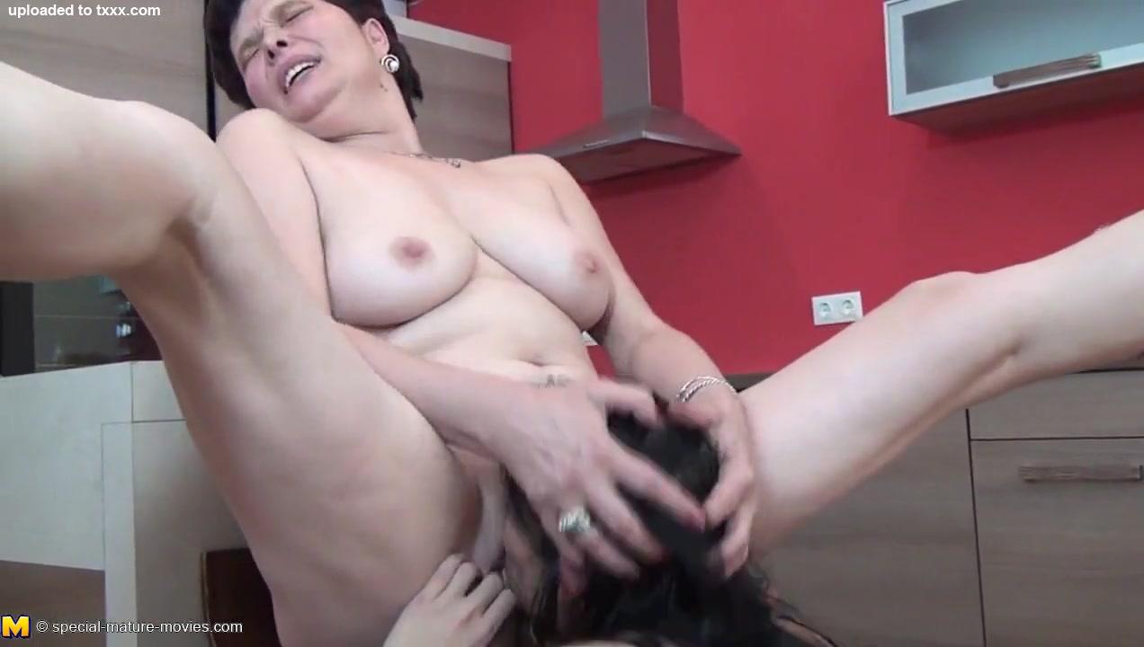 Pussy free lesbian licking