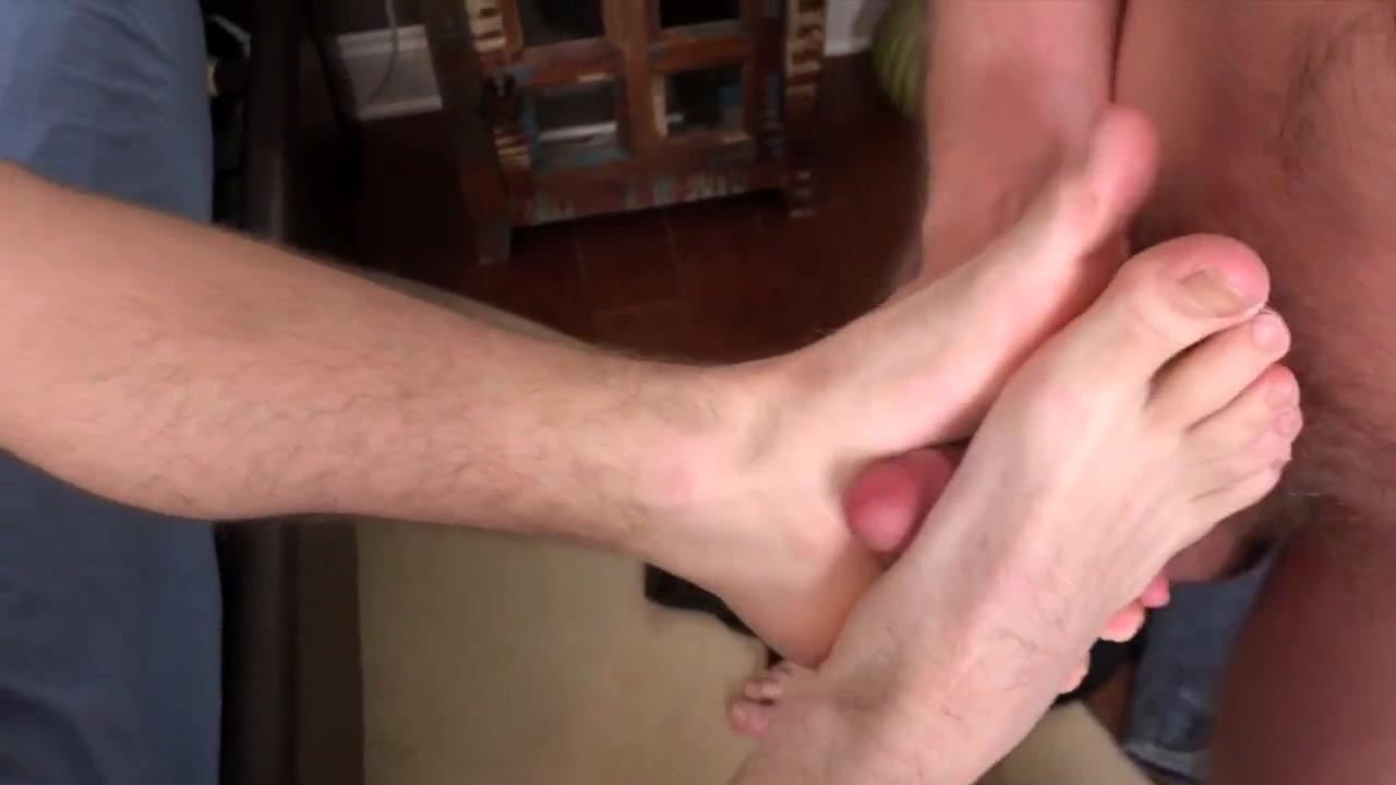 Gay Porn ( New venyverastres ) 20 Pantyhose dildo masturbation