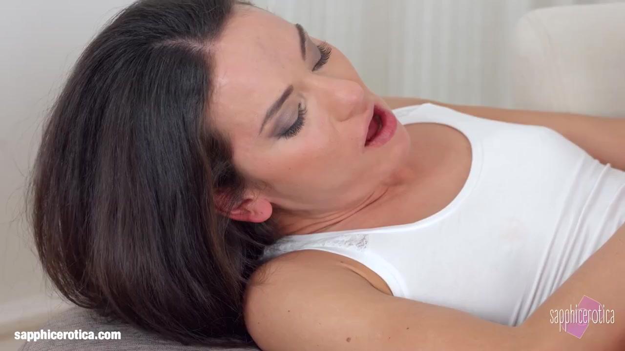 Mobile Lesbion porn orgas