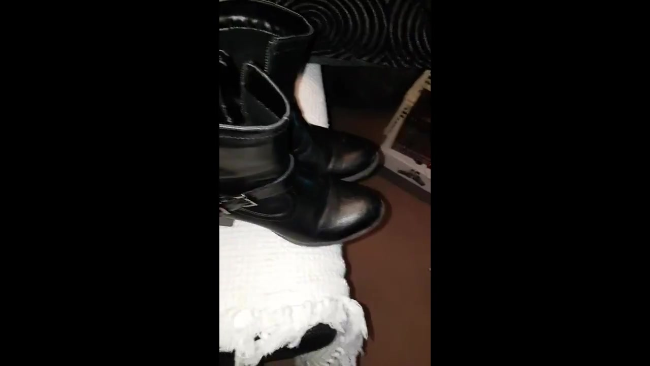 Cumming on her black boots the great escape reality