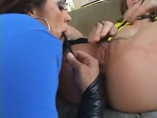 Lesbos fucked Pool sexo