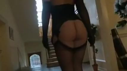 Seksik with horny blonde, the Diamond Monroe gets her giant monster ass worshipped