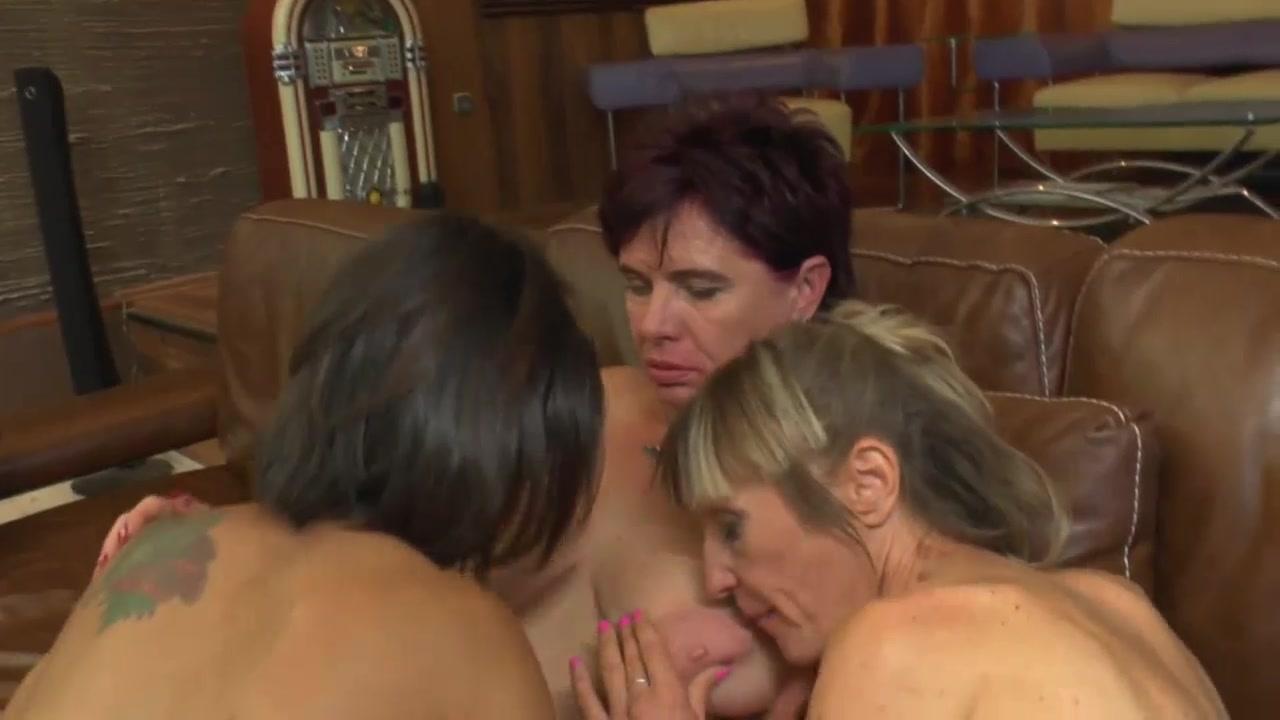 Lesbos masturbatian Sex dating