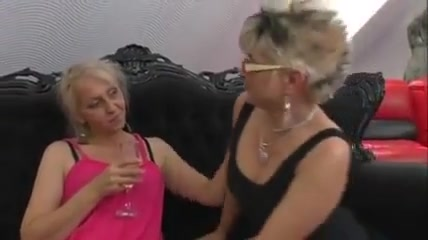 Video strip sexy girl