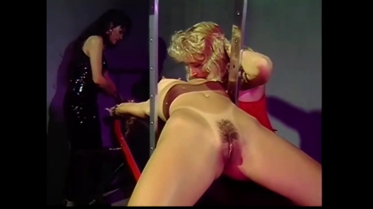 Sext European licking lesbea
