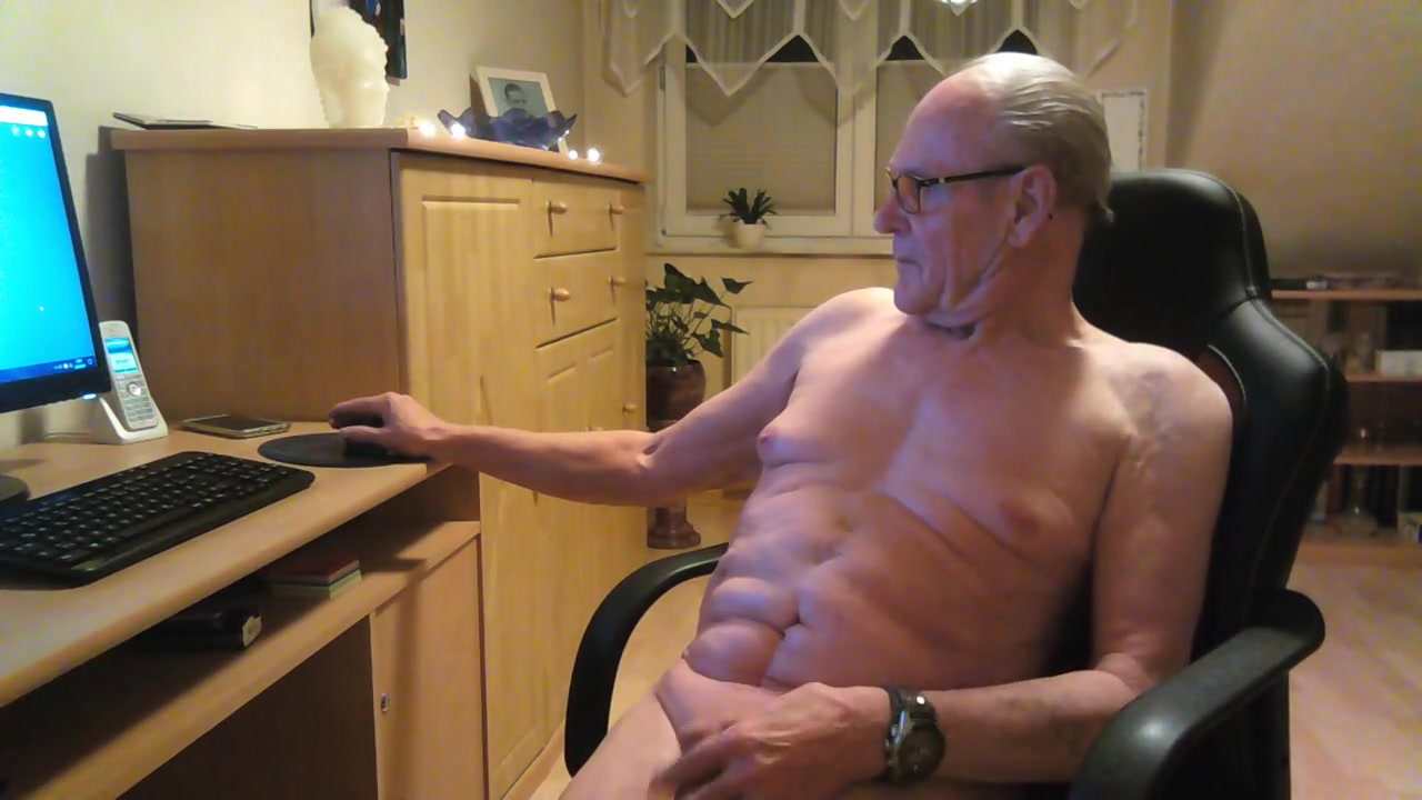 Jeden morgen chatten old fat women getting fucked in the woods