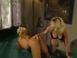 Girls big booty midget